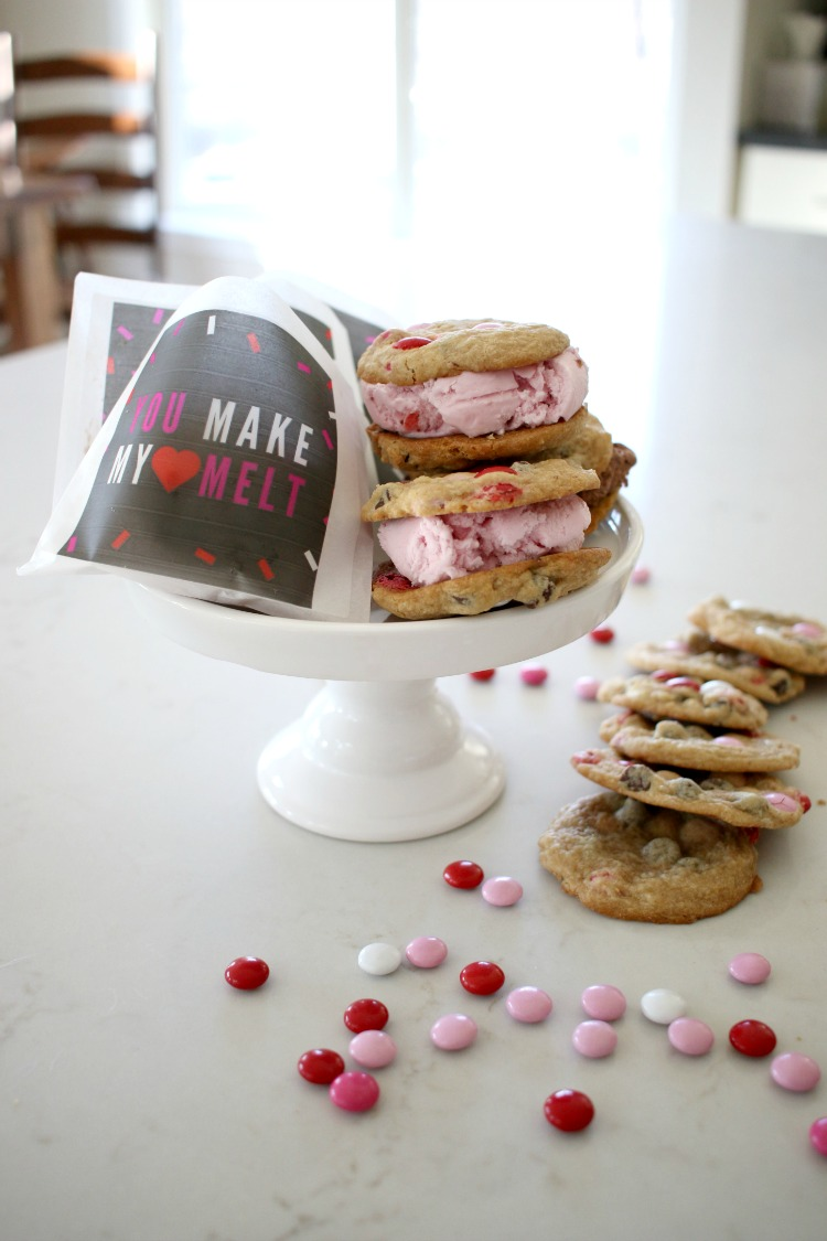 homemade cookie ice cream sandwiches for Valentines day