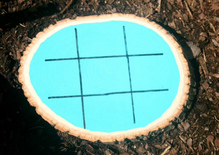 Outdoor Painted Bark Round for Game