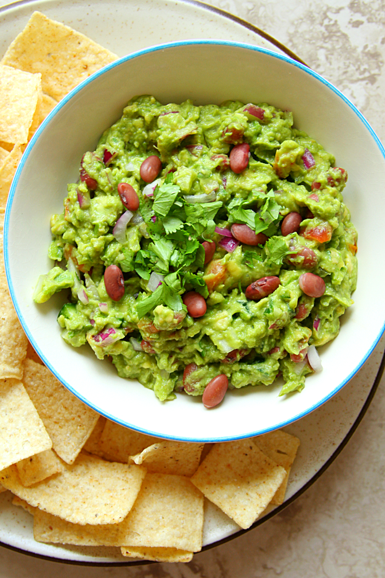 6-Ingredient Guacamole Bean Dip