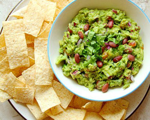 6-Ingredient Guacamole Bean Dip