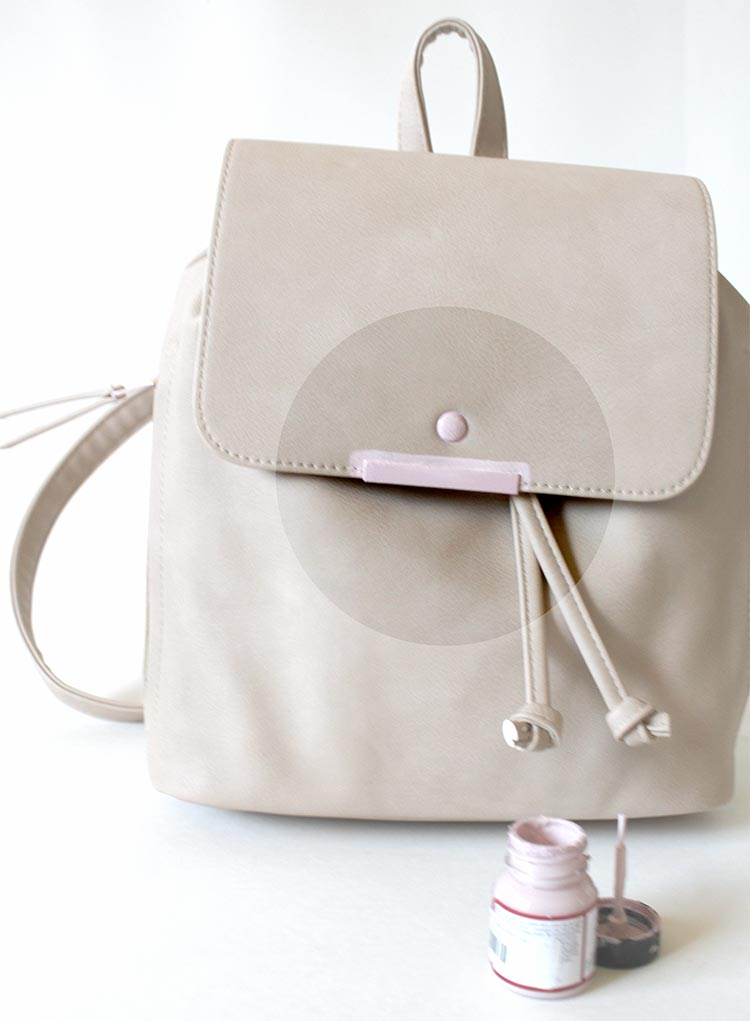 Transform the IT backpack of the season with this DIY