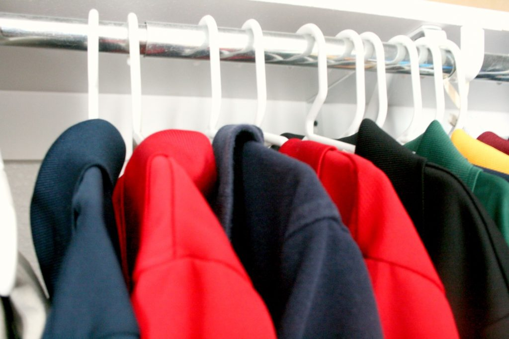 clothes hanger for closet