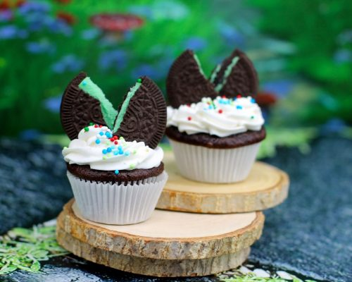 mini chocolate mint sandwich cookie cupcale
